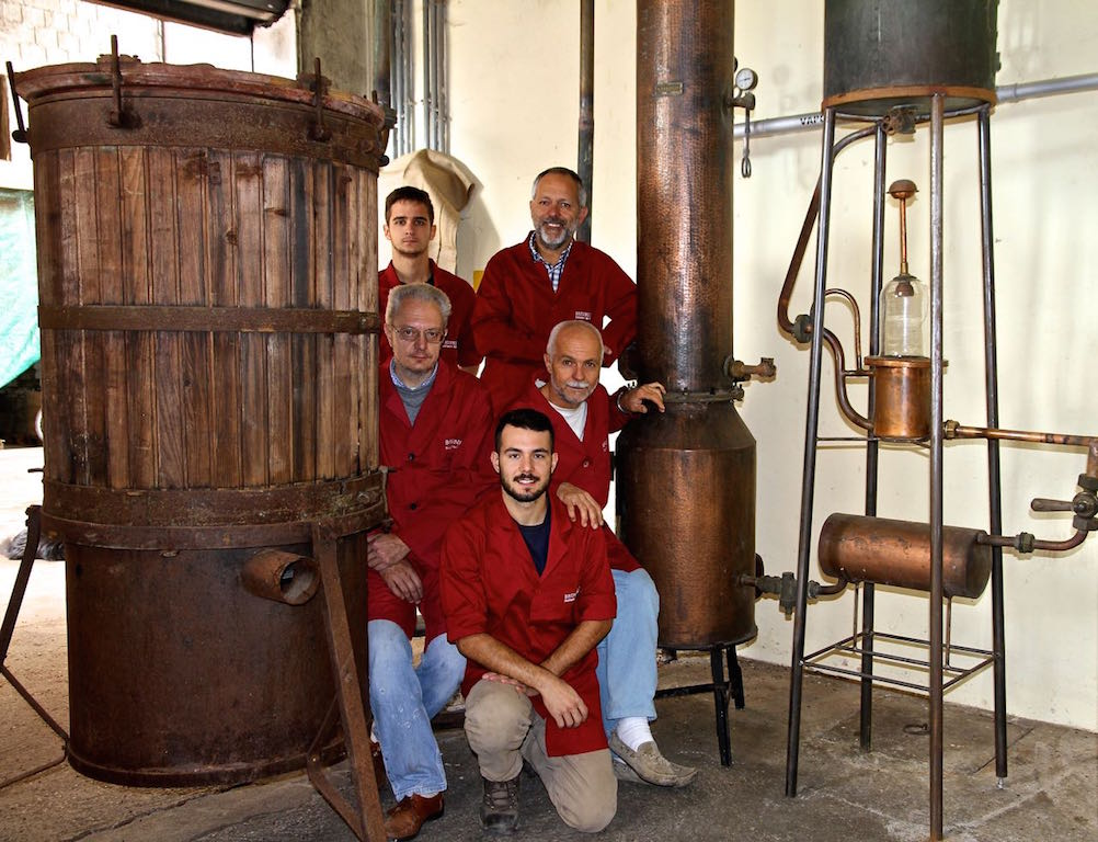 "Riprese Rai alla Distilleria Brunello per la Fiction ""Di padre in figlia"" 480008ba0a5"
