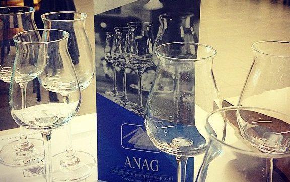 Anag e bicchieri